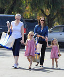 Jennifer Garner held hands with Violet and Seraphina Affleck.