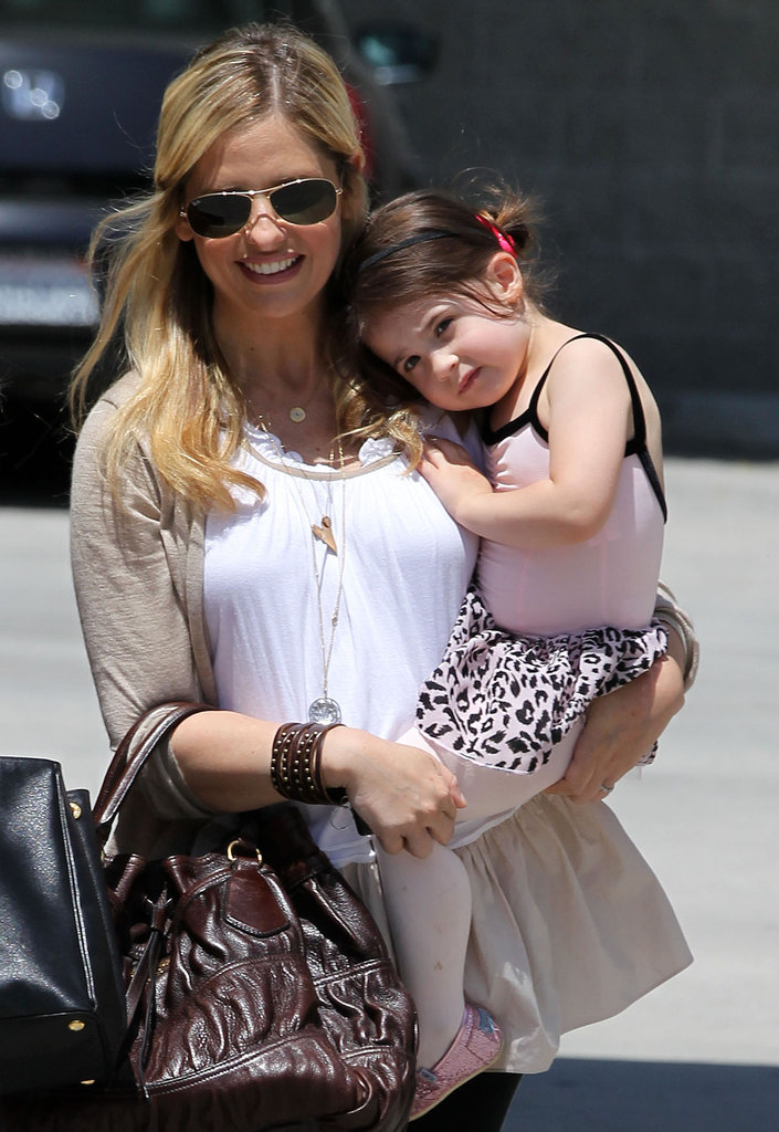 Charlotte Prinze cuddled up to Sarah Michelle Gellar.