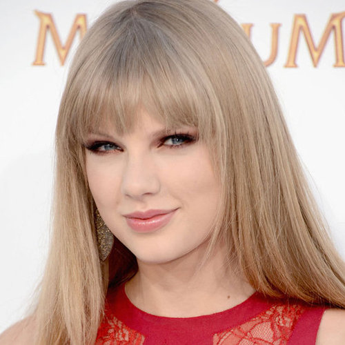 Taylor Swift's Hair and Makeup at the 2012 Billboard Music Awards