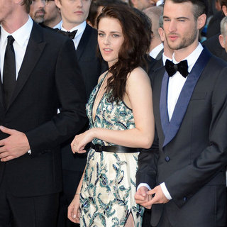 Kristen Stewart mit Robert Pattinson auf ihrer Premiere in Cannes