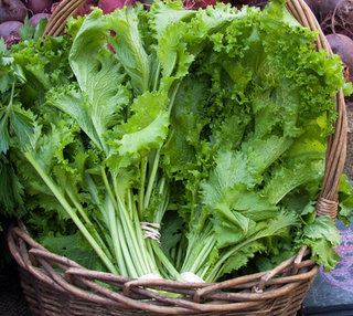 How to Choose and Cook Mustard Greens