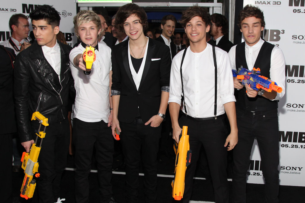One Direction brought their squirt guns to the Men in Black III premiere in NYC.