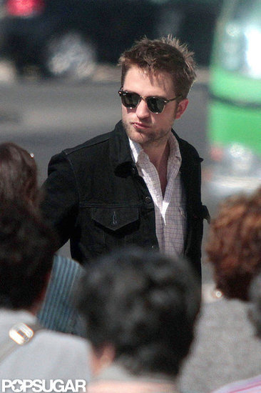Robert Pattinson Enjoys a Low-Key Getaway With His Parents
