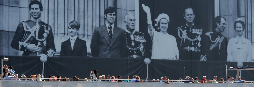 The huge photograph showed the royal family during the Silver Jubilee celebrations in 1977.