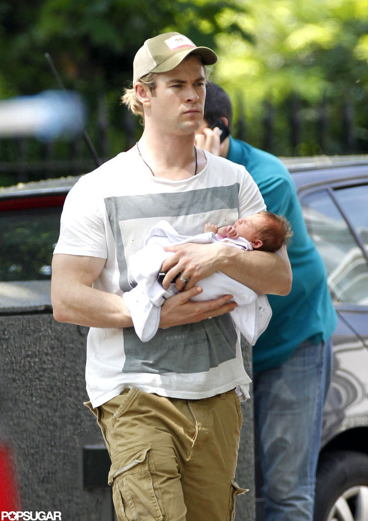 Chris Hemsworth showed baby India's tiny face.