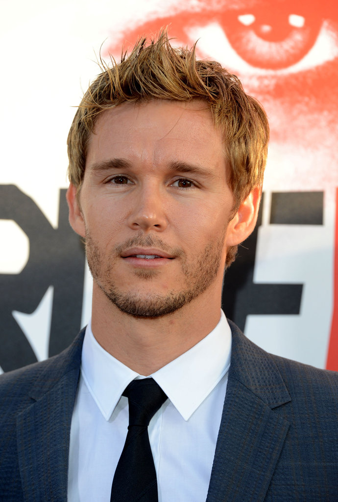 Ryan Kwanten gave the camera a smile while walking the red carpet.