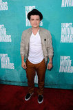 Josh Hutcherson wore a hat to the MTV Movie Awards.