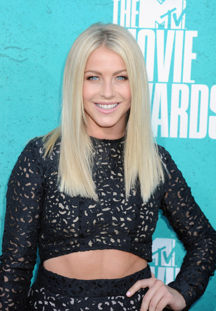 Julianne Hough smiled at the MTV Movie Awards.