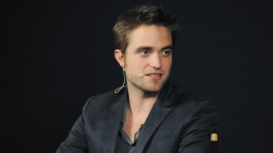 "Video: Robert Pattinson Talks About His Cosmopolis Sex Scene: ""I Was Cringing!"""