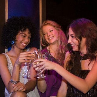 Daily Alcohol Consumption Linked to Breast Cancer
