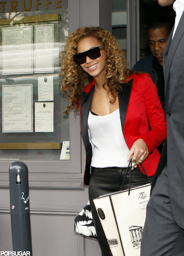 Beyonce smiled for the camera as her and Jay-Z left their lunch date.