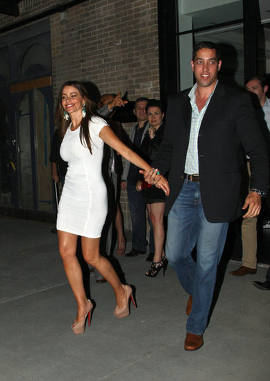 Nick Loeb held onto Sofia Vergara.