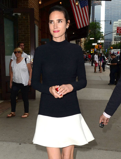 Jennifer Connelly matched her lipstick to her iPhone case.