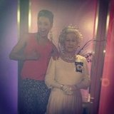 Jesinta Campbell posed with a wax figure of Queen Elizabeth II. Source: Twitter user JesintaCampbell