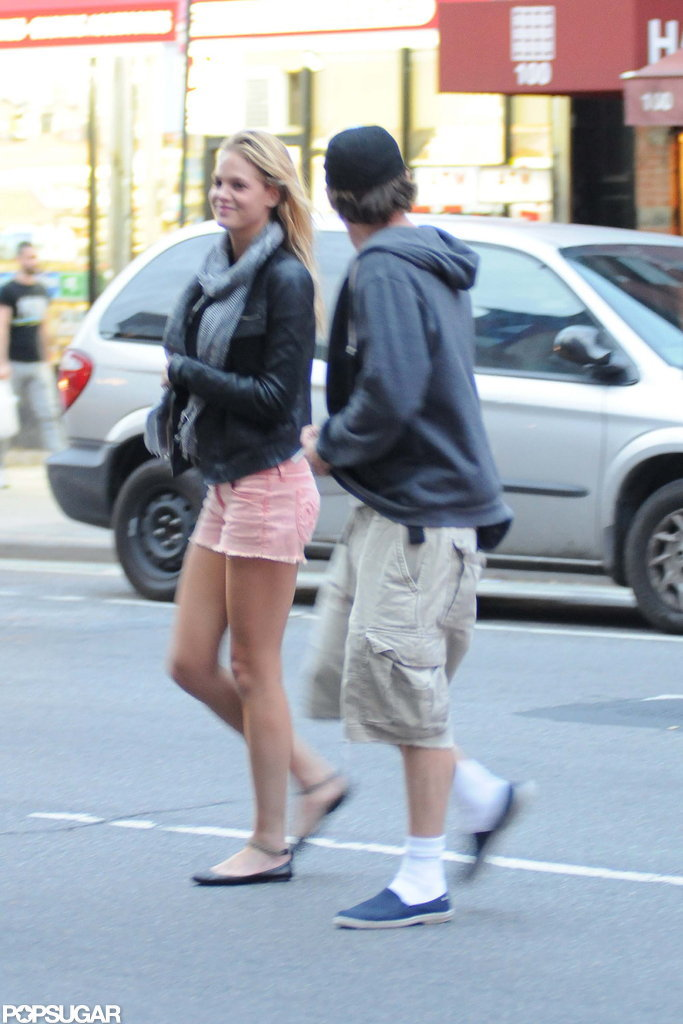 Leonardo DiCaprio and Erin Heatherton walked to lunch together.