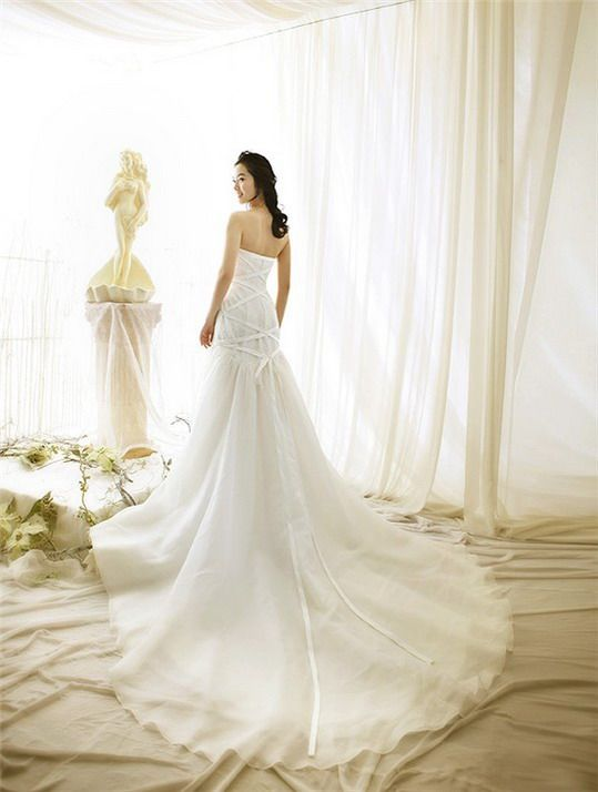 To get that Red Carpet Look – Compliment Your Wedding Dress Right
