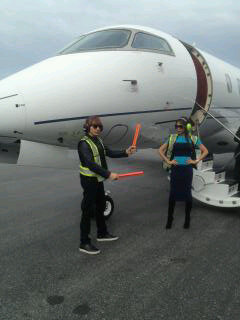 Victoria Beckham tweeted a photo of herself before she got onto her private plane to leave Vancouver. Source: Twitter user Victoria Beckham