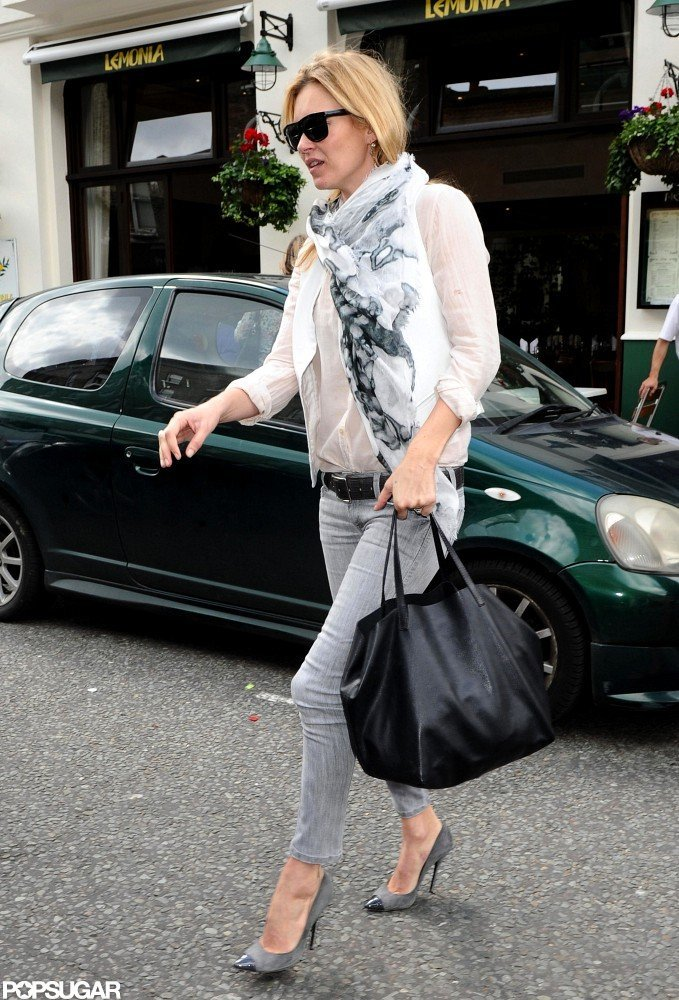 Kate Moss headed back to her car after having lunch with friend Sadie Frost in London.