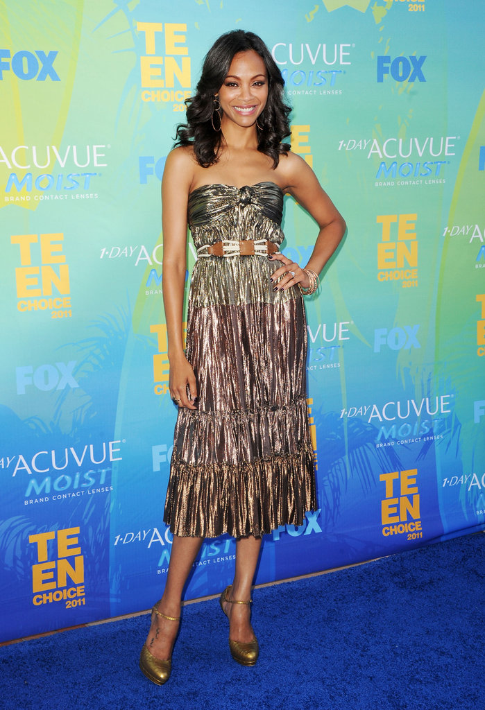 Zoe sparkled (literally) in a metallic gold Lanvin dress and Alexander McQueen pumps at the 2011 Teen Choice Awards.