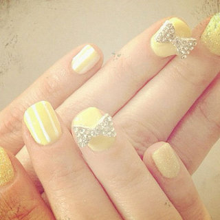 Zooey Deschanel Sports Adorable Lemon 3D Nail Art at the Critics' Choice Television Awards