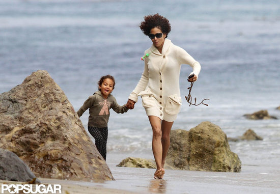 Halle Berry and Nahla Aubry played in Malibu.