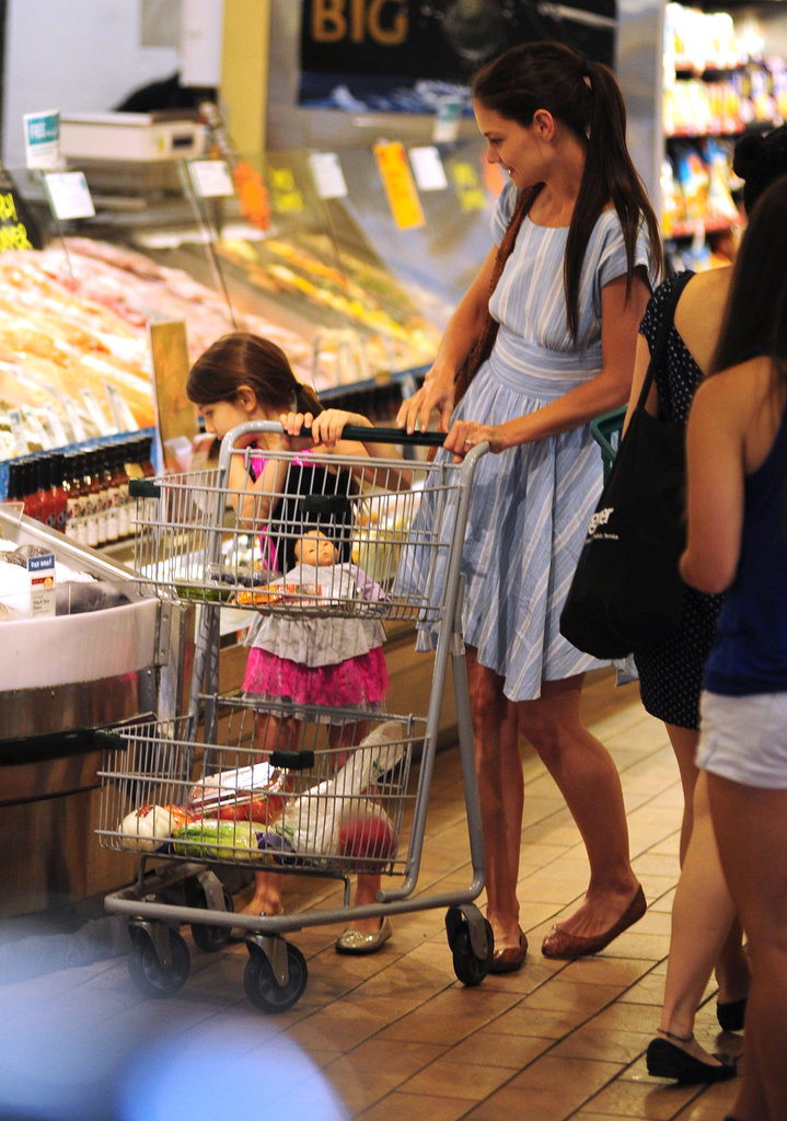 Katie Holmes and Suri Cruise went grocery shopping at Whole Foods in NYC together.