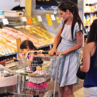 Katie Holmes and Suri Cruise Pictures at Whole Foods