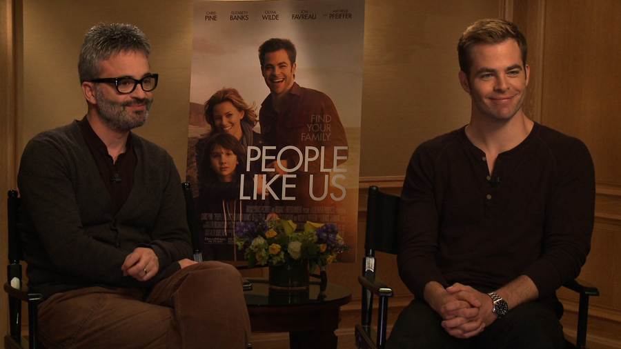 "Chris Pine and Director Alex Kurtzman Talk People Like Us and ""Talented"" Elizabeth Banks"