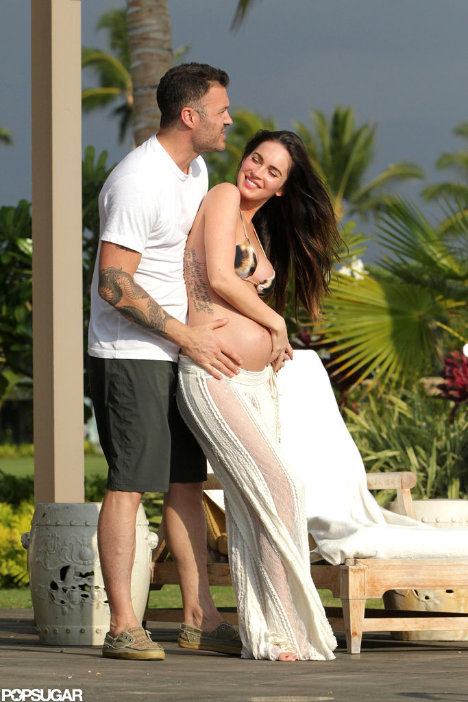 Pregnant Megan Fox posed with Brian Austin Green in Hawaii.
