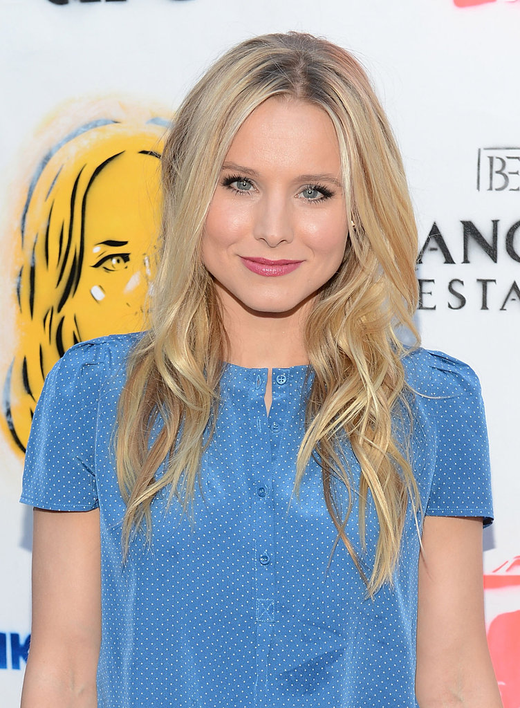 Kristen Bell lit up the red carpet in LA.