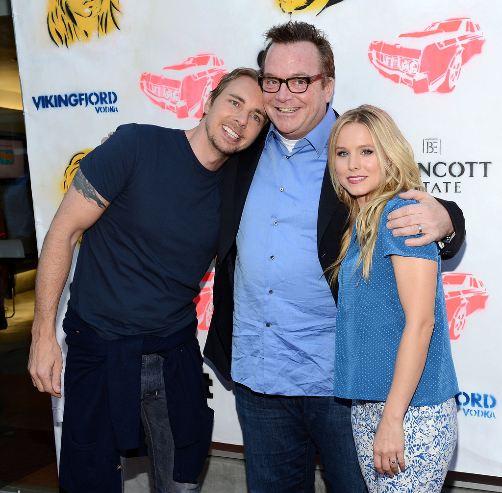 Dax Shepard cozied up to Tom Arnold and Kristen Bell on the red carpet.