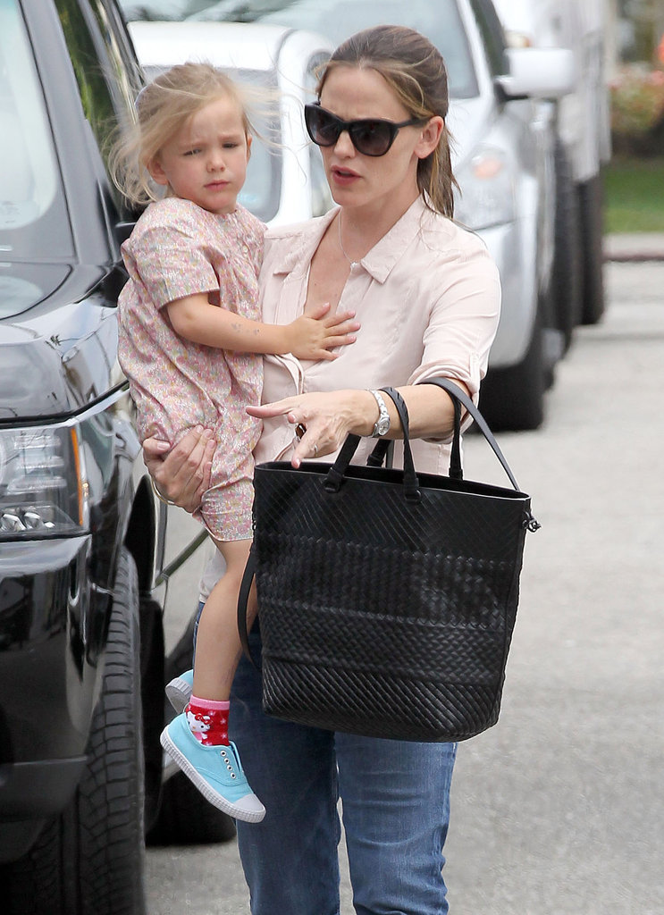 Jennifer Garner and Her Girls Prepare For Samuel's First Fourth of July