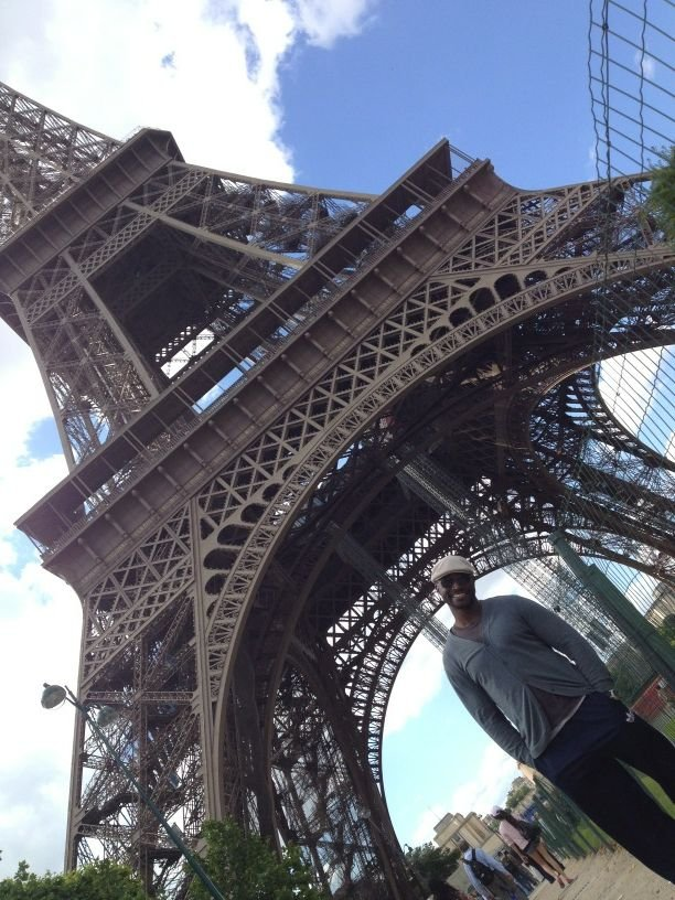 Taye Diggs checked out (and posed with) the Eiffel Tower. Source: Twitter user TayeDiggs