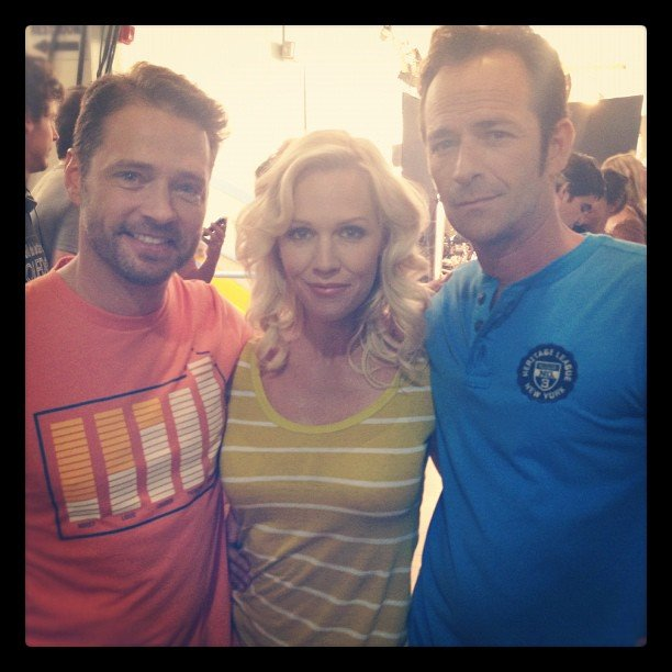 Jennie Garth caught up with her former Beverly Hills, 90210 co-stars Jason Priestley and Luke Perry in June. Source: Instagram user jenniegarth
