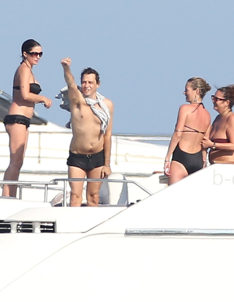 Kate Moss and Jamie Hince partied on a boat.