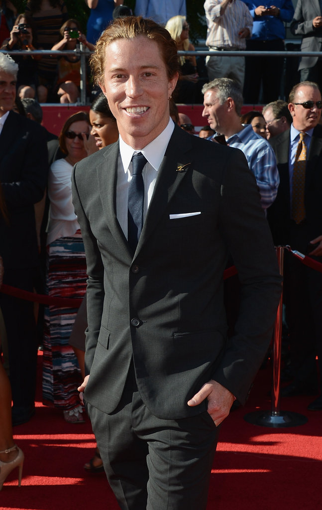 Shaun White looked handsome on the red carpet at the ESPY Awards.