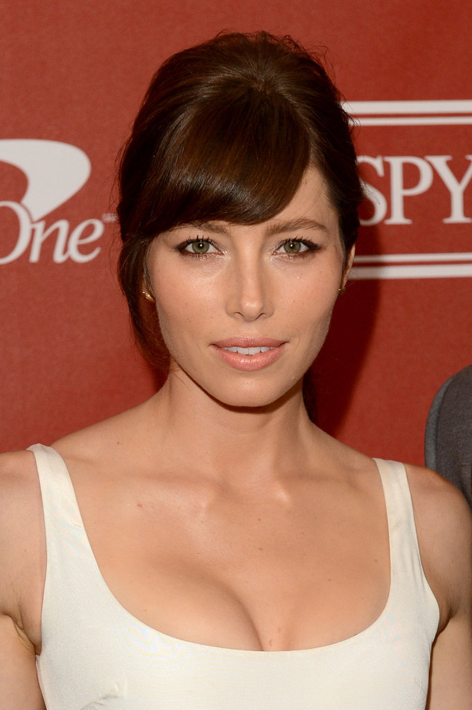 Jessica Biel side swept her full bangs.