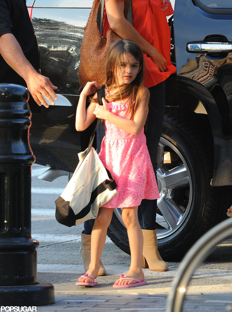 Suri Cruise matched pink sandals to her pink dress.