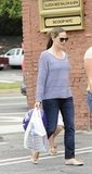 Jennifer Garner went shopping with Violet.