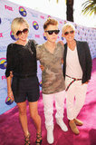Portia de Rossi and Ellen DeGeneres with Justin Bieber at the Teen Choice Awards.