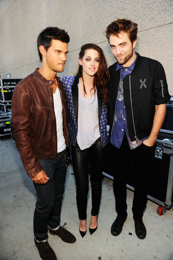 Robert, Kristen, and Taylor Get Boards For Twilight at the TCAs