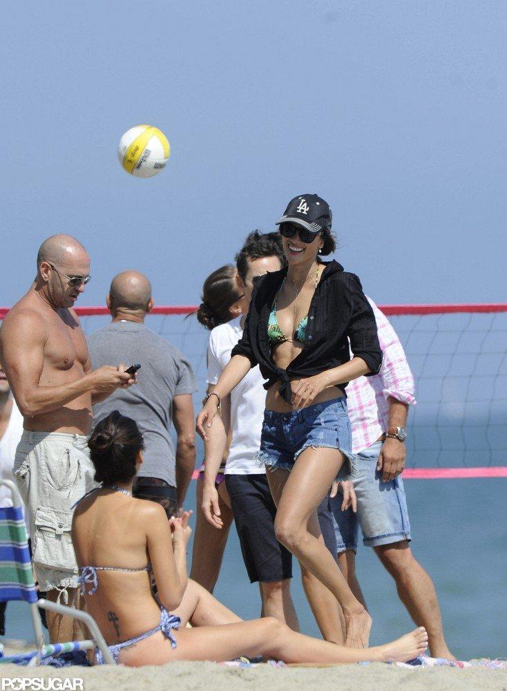 Alessanda Ambrosio played volleyball.
