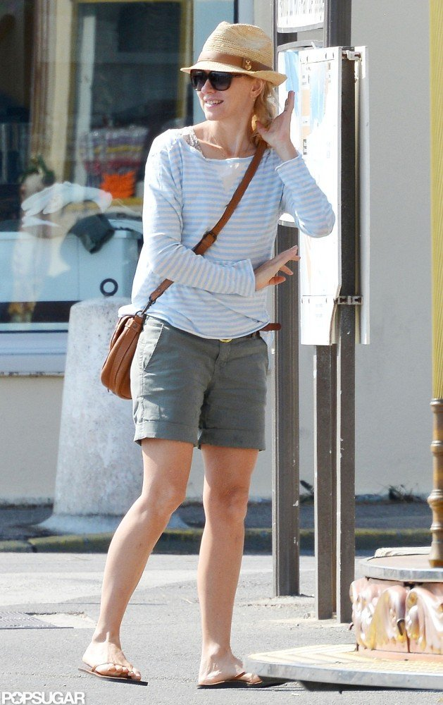 Naomi Watts sported a cute, casual outfit while on vacation.