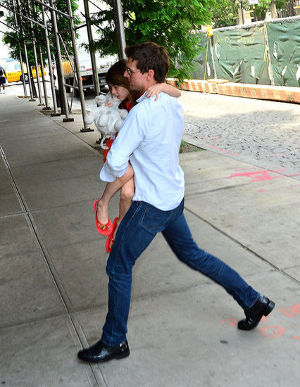 Tom Cruise carried Suri in NYC.