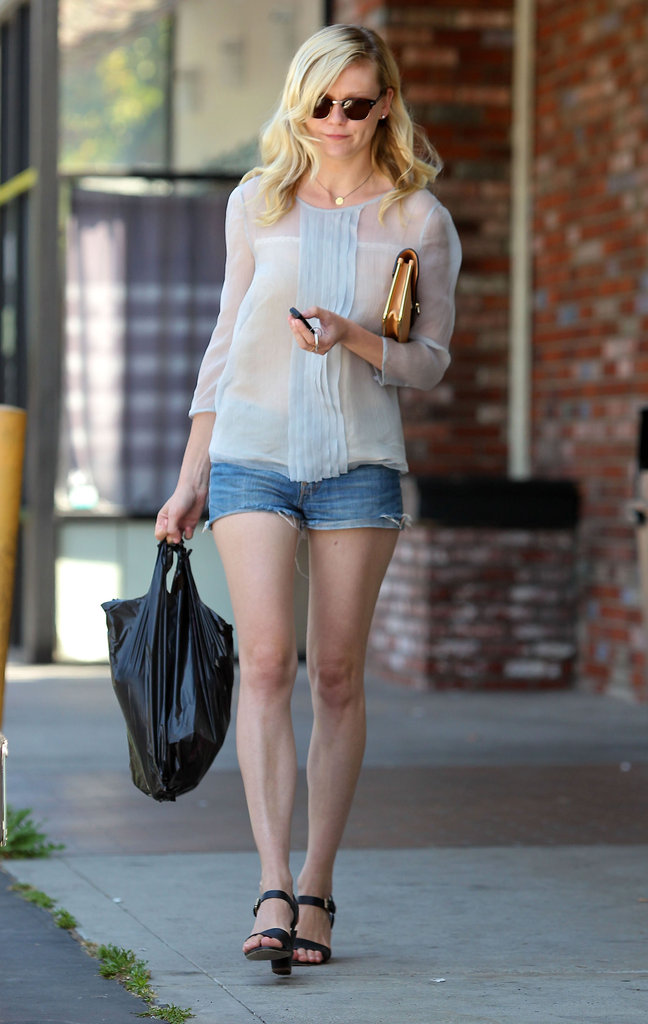 Kirsten Dunst walked back to her car after making a run into the store.