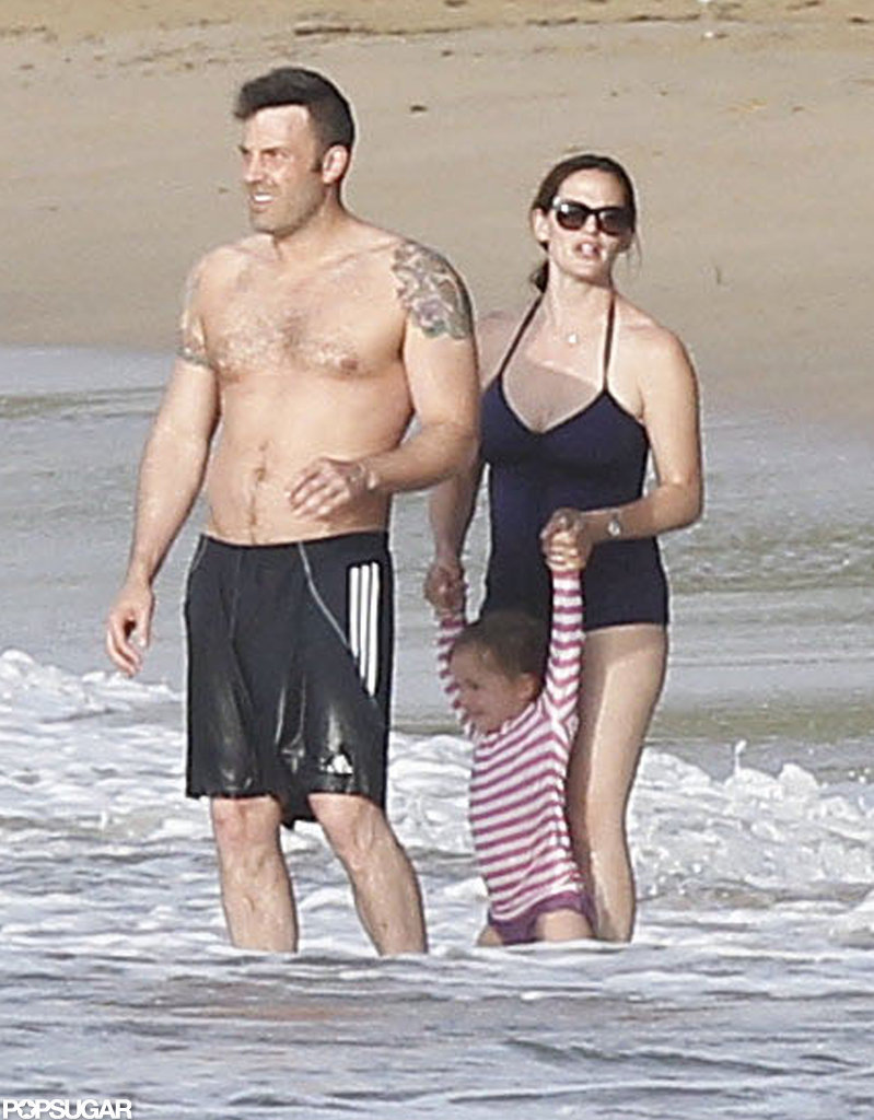 Ben Affleck showed off his tattoos in the water with Jennifer Garner and Seraphina Affleck in Puerto Rico.