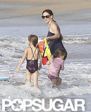 Jennifer Garner played with Violet and Seraphina in the ocean in Puerto Rico
