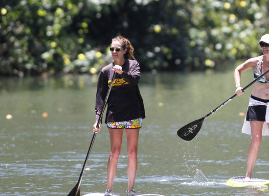 Julia Roberts wore board shorts.