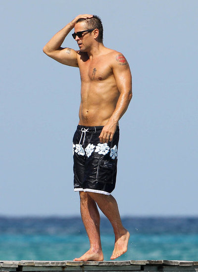 Colin Farrell Shows Off His Hot Shirtless Bod