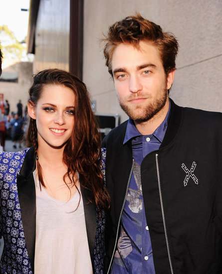 Kristen Stewart and Robert Pattinson posed backstage together at the Teen Choice Awards in 2012.